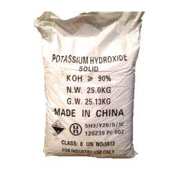 Os Flocos brancos de alta qualidade de hidróxido de potássio (KOH-90%/95%) CAS 1310-58-3