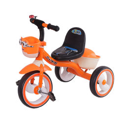 Una bicicletta dei tre capretti del carraio gioca il triciclo di bambini del metallo con indicatore luminoso