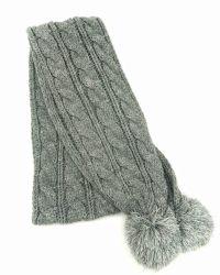 Chica caliente en invierno la moda tejidas bufanda Cable