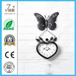 금속 정원 거는 철 나비 시계