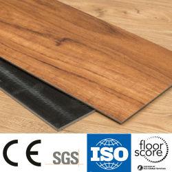 Un revêtement de sol en vinyle lâche Lay Lvt en agitant l'arrière de plancher de bois en PVC