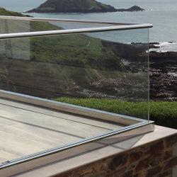 El aluminio Cristal Canal U Escalera de la abrazadera de barandilla con alta calidad