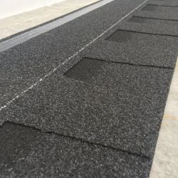 Los materiales de construcción de techos de teja de asfalto culebrilla Proyecto de construcción