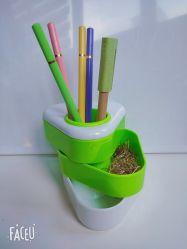 간단한 플라스틱 펜 대 펜 홀더 사무실 창조적인 형식