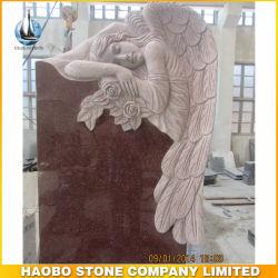 Het rode Monument van het Graniet met de Engel Gesneden Grafsteen van Standbeelden