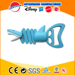 Prix bon marché de jouets en plastique de la main du robot Grabber jouet pour enfants jouet requin