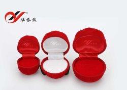 De naar maat gemaakte Rode Luxe nam de Gestalte gegeven Vertoning van de Ring van de Doos van de Gift van de Doos van de Juwelen van de Oorring van de Ring van het Fluweel toe