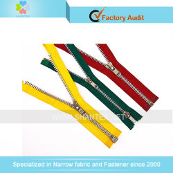 Chiusura lampo impermeabile calda dell'alluminio del nylon no. 5 estremità aperta/vicina