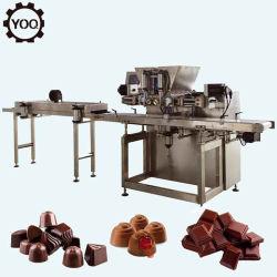 De goed Verkopende Halfautomatische Machine van de Chocoladebereiding van de Machine van het Afgietsel van de Chocolade Kleine