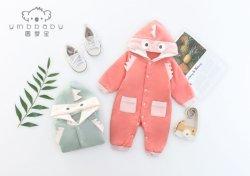 Neugeborenes Baby-Mädchen kleidet Baumwollangen Hülsen-Spielanzug