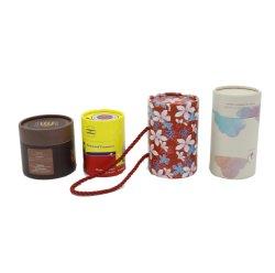 Салон красоты разных размеров бумаги за круглым столом упаковке трубы банок