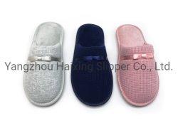 الأحذية المنزلية المخصصة للسيدات والنعال الداخلية المخصصة للترفيه والنعال الدافئة مع مقدمة السفينة