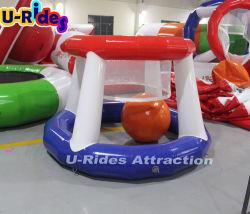 Gonflable bleu et rouge Panier de Basketball Tir amusant dans le parc de l'eau