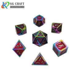 المصنع السعر عالية الجودة ميني زنزانة معدنية و Dragonmulti-Colo Board Games مجموعة من 7 قطع مع علبة معدنية. يتضمن D4، وD6، وD8، وD10، وD12، D20 وD%.