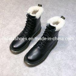 حذاء رياضي دافئ من الجلد الطبيعي عند الكعب المسطح للأزياء