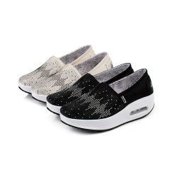 Hellosport OEMのソックスのプラットホームの黒のキャンバスの適性の通気性の快適なスリップを揺すっているカスタム振動の靴の女性は靴を詰め込む