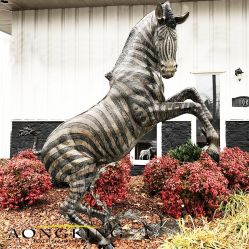Jardín saltando Zorse estatua de bronce para la decoración del parque de animales