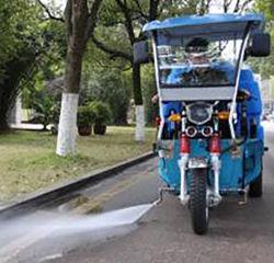 Plancher de la route de lavage haute pression Rickshaw voiture électriques de nettoyage avec réservoir d'eau
