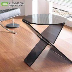 Фантазии черного цвета со стороны стекла по кривой в таблице цен