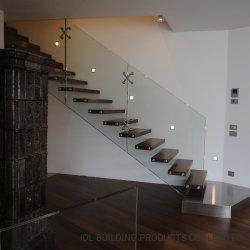 درج عائم حديث جديد Idl 2021 السلالم المستقيمة مع درجات مستدقة تصميم خشب صلب من الزجاج الواضح