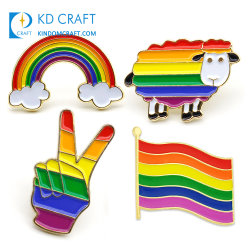 Distintivo di alta qualità per il lapel a gradazione personalizzata Gay Pride Stripe Orgull De Metal Flag Natale Rainbow LGBT pin per camicie