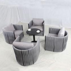 Divano esterno a corda in gomma poliestere Leisure con cuscini e mobili patio