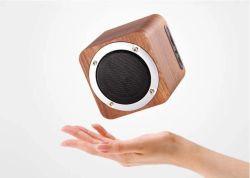 Беспроводной технологией Bluetooth Super низкочастотного звука динамика со светодиодными TF FM