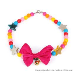 I monili Charming della perla di qualità punteggiano la collana di Bowtie per gli animali domestici