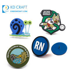 Fabricant de la Chine Cheap Custom Eco Friendly Logo en relief l'adhésif PVC Souple ID Nom de patch de silicone Coupe du Monde de Football Sport Badge en caoutchouc pour les vêtements