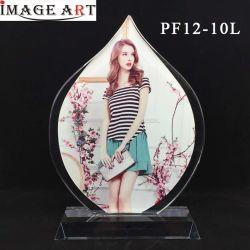 La moda en blanco en forma de gota de agua fotos de cristal