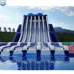 Piscina de atracciones comerciales seis toboganes inflables Lane con piscina