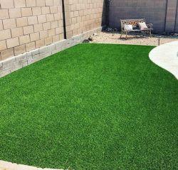 Caldo-Vendendo l'erba sintetica dell'erba artificiale popolare 16stitches di 30mm per la decorazione della casa/patio/giardino/balcone/cortile/piscina/ginnastica