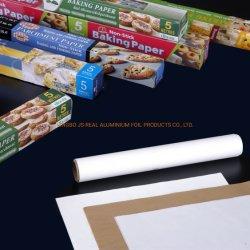 Uso da cozinha papel-manteiga