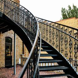 Retro Design mão fez autonomização das escadas de ferro forjado do Trilho