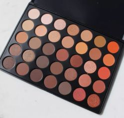 Les produits cosmétiques maquillage 15 Color paillettes & Matte & Shimmer Eye Shadow