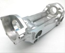 アルミニウム鋼鉄ステンレス製の金属のために機械で造る安い急流EDMワイヤー切断CNC