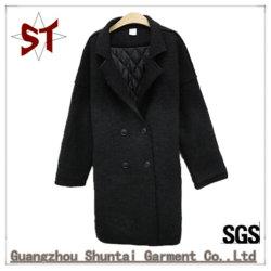 Señora poco abrigo de lana de color puro desgaste