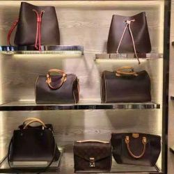 WomenのためのMontaigne Shopping Bag Classic Letter Mailman Bag Bucket Mahjong Bag Replica One-Shoulderの十字Body Leather Bag