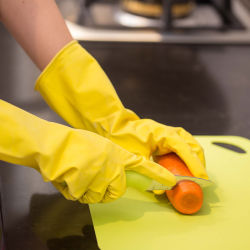 50gすくいのFlocklinedの台所黄色の乳液の世帯の手袋