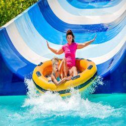 運動場装置の開いた螺線形のスライド屋外水公園
