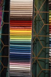 卸し売りホーム織物によって押しつぶされるビロードのソファーの家具材料ファブリック