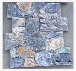 La parete di ceramica di pietra reale copre di tegoli le mattonelle di pietra naturali