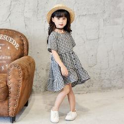 O verão novo vestido menina verificado calça confortável doces Saias Crianças Bonitinha Impressos Design de vestir as crianças vestido de Verão. As crianças a desgaste. Girl roupas. Vestuário de crianças.