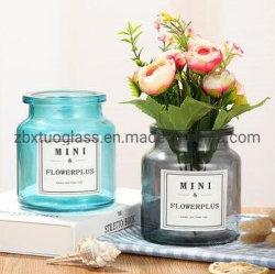 2019 nouvelle conception d'alimentation de la bouteille en verre de couleur bleue bouteille en verre de couleur rouge Vase en verre