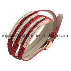 女性のための赤いPUの革大きい袖口のブレスレットの腕輪