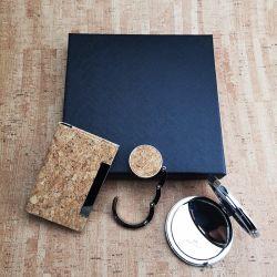 Cork Collectieve die Gift voor de Haak van de Houder van de Kaart van de Naam van de Spiegel van de Kantoorbehoeften van de Herinnering wordt geplaatst
