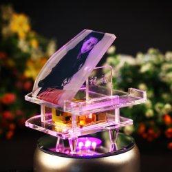 Piano de cristal violeta para los regalos de bodas