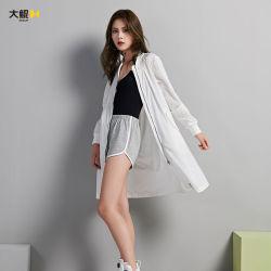 Chinesische berühmte Marke Dakun Frauen-Großhandelskleidung-im Freienabnützung-Wind-Umhüllungen-Mantel