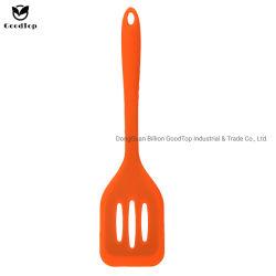 Caliente la venta de utensilios de cocina de silicona de tamaño de toda resistencia al calor de la pala de Turner ranurado
