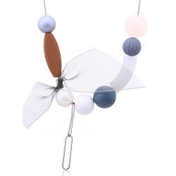Hölzerne Raupe-hängende Acryldame-Schmucksache-Halsketten-Silk Schal-Zusatzgerät